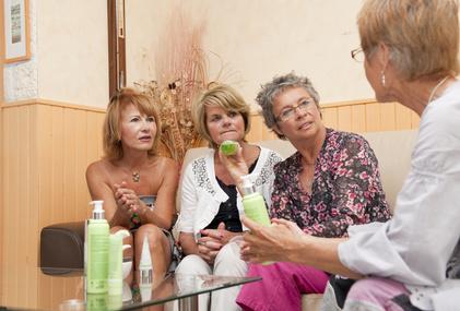 【マルチ商法】 MLM系化粧品は実際どうなの?