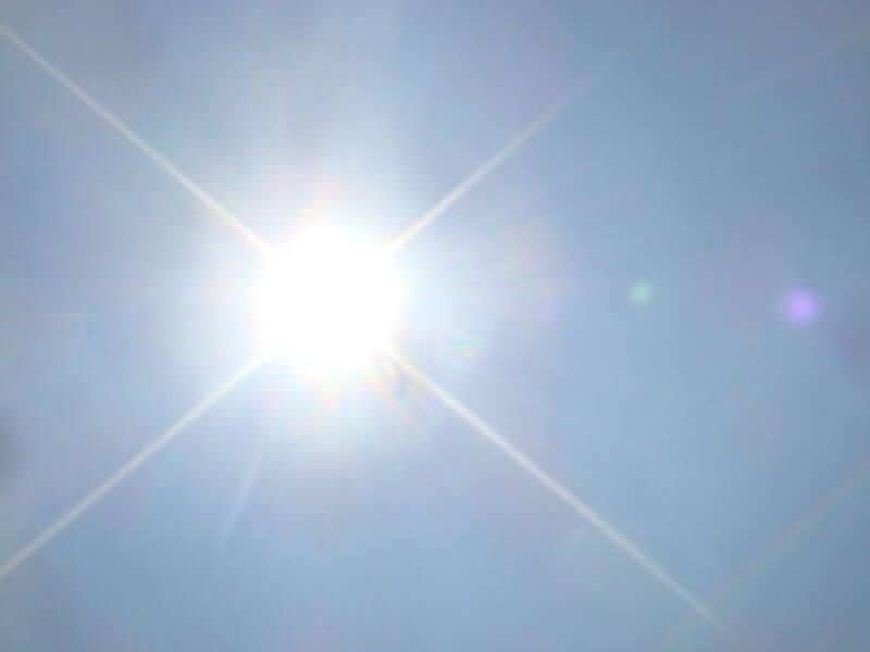 敏感肌にも安心? 「低刺激の日焼け止め」 を選ぶコツ