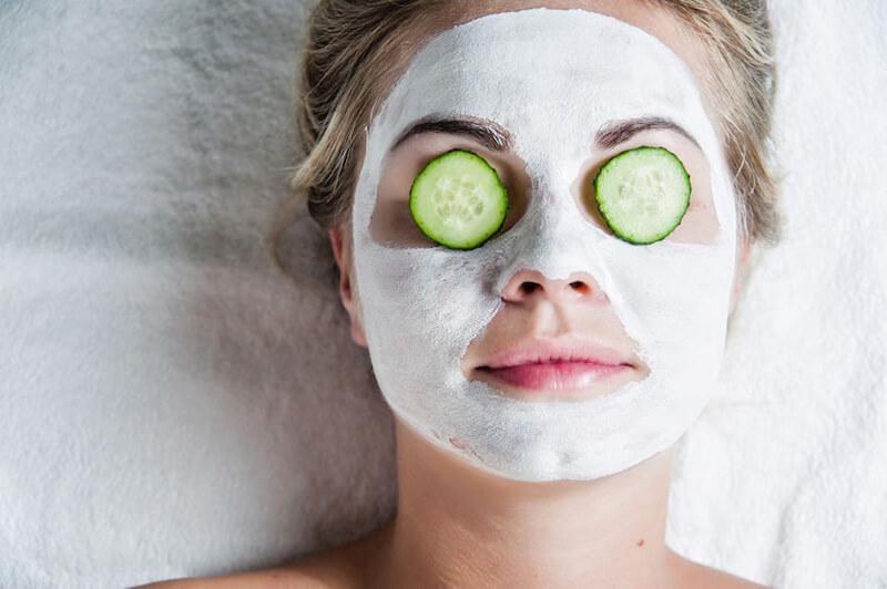 「ヨーグルトパック」で美肌になれる…!? 食品スキンケアの危険性と『美肌菌』についての疑問