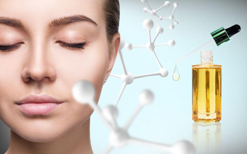 ナイアシンアミド、レチノール、ビタミンC…肌の奥にしっかり届ける『美容成分の塗る順序』について