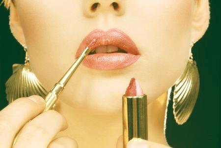 「お化粧」はするべき? ~紫外線と肌老化について~