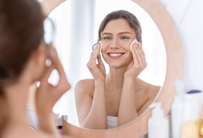 一度に使う化粧品は多いほうが良い?少ないほうが良い?肌質によるメリット・デメリット